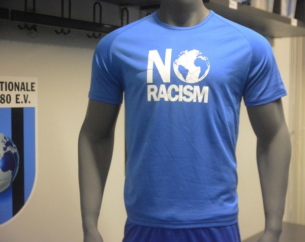 T-Shirt NO RACISM #inter blau
